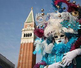 330px-Venice_2008_il_Carnevale_(1)