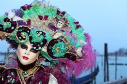 Masque-du-Carnaval-de-Venise-©David-Pin-CreativeCommonsFlickr-