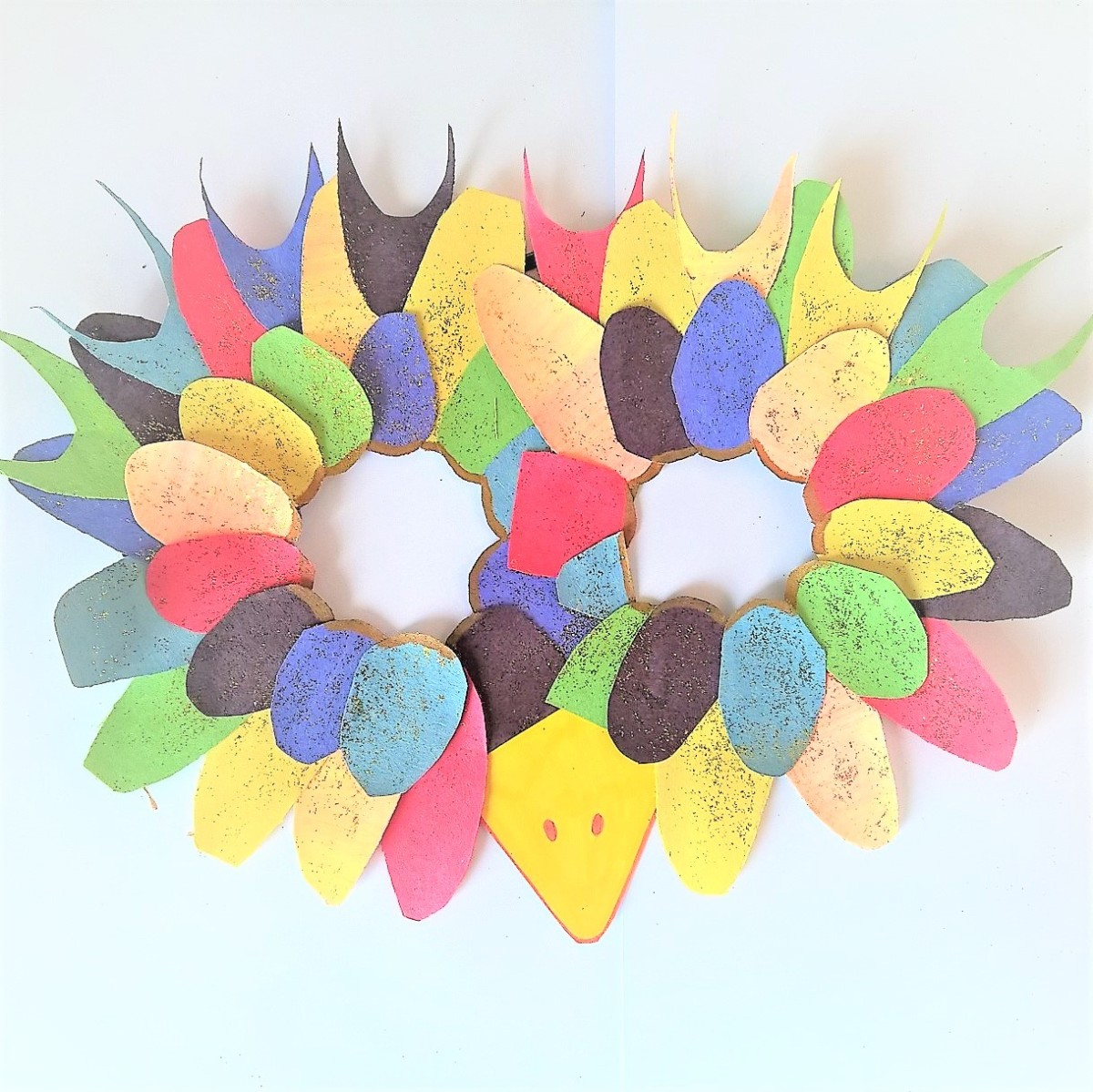 DIY- Le masque d'oiseau multicolore