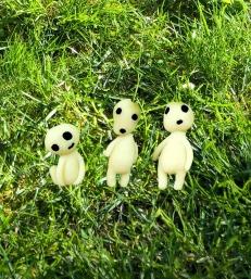 kodama dans l'herbe