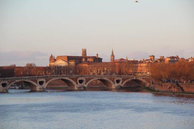 Toulouse Garonne POnt Neuf